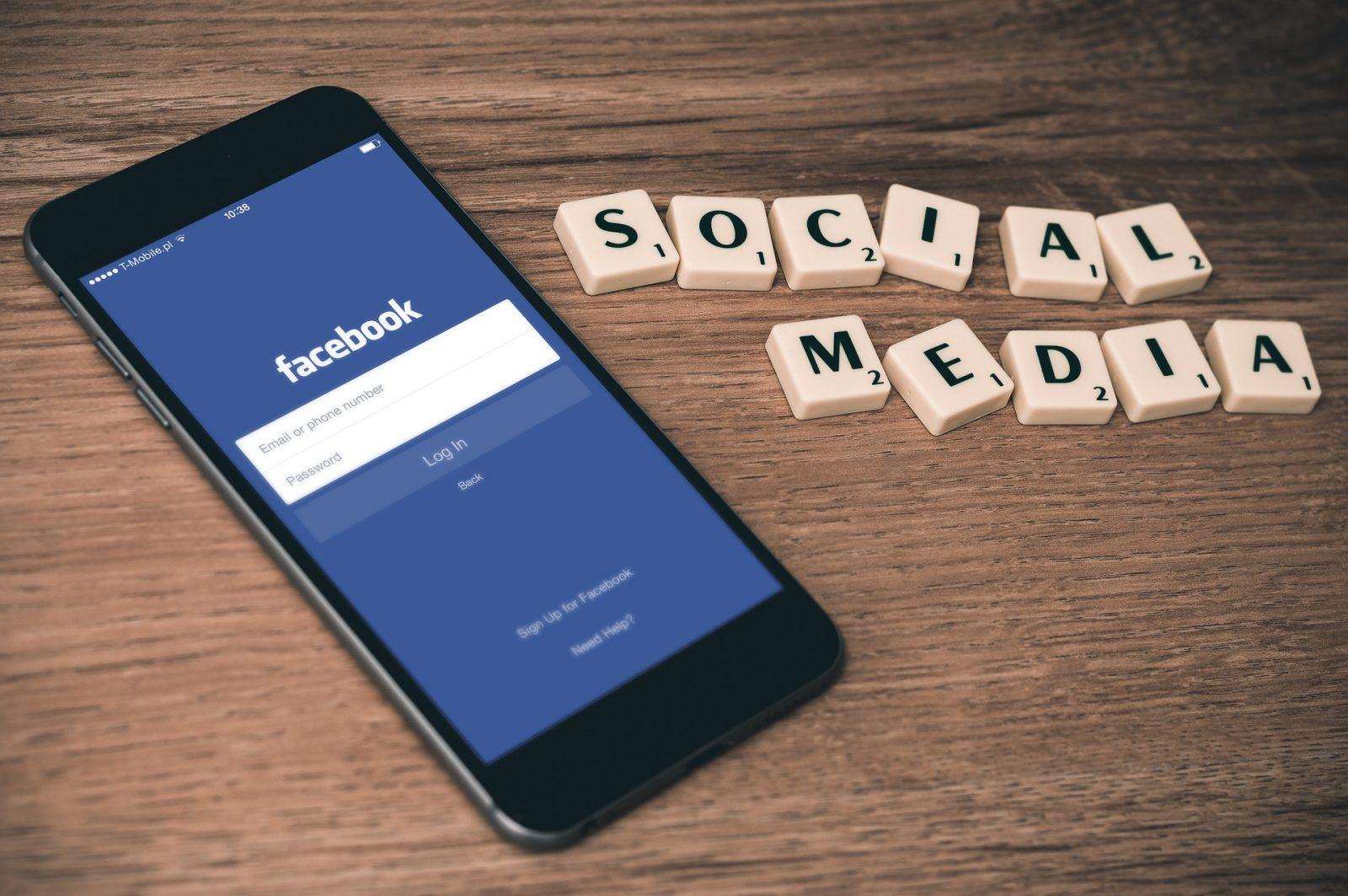 Följ oss på sociala medier!